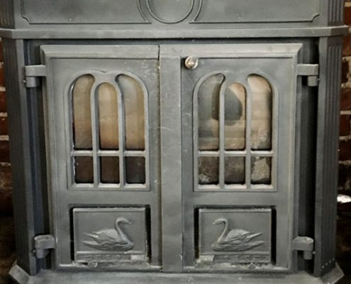 Waterfall Cottage: stove